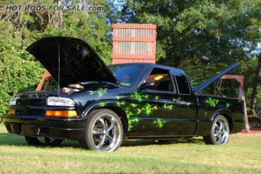 1999 Custom S10 show truck
