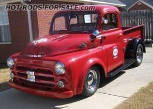 SOLD - 1952 Dodge 5 window short bed