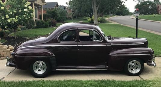 1946 Ford Super Deluxe Business Coupe (Short Door).
