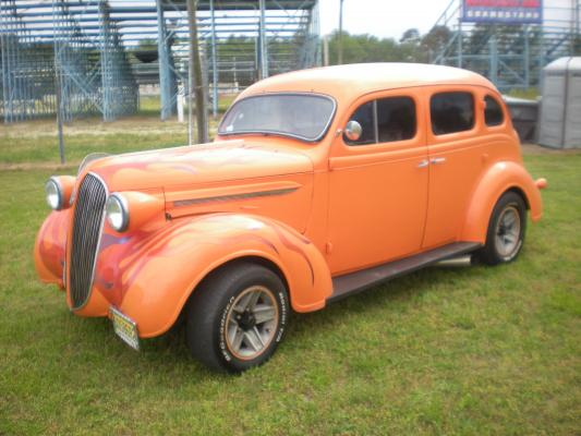 1937 PLYMOUTH P4